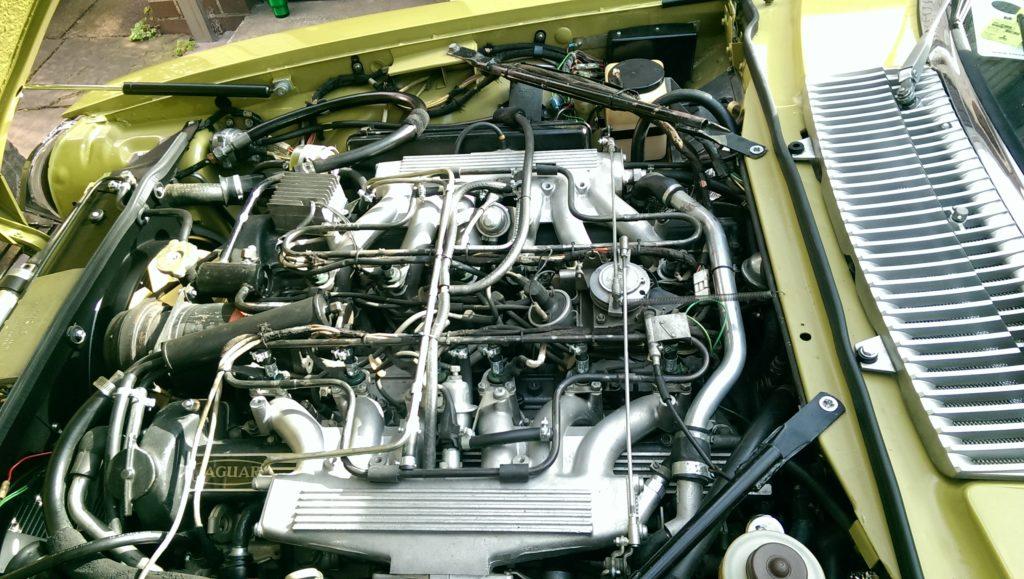 Der Motorraum nach der Reinigung mit Trockeneis